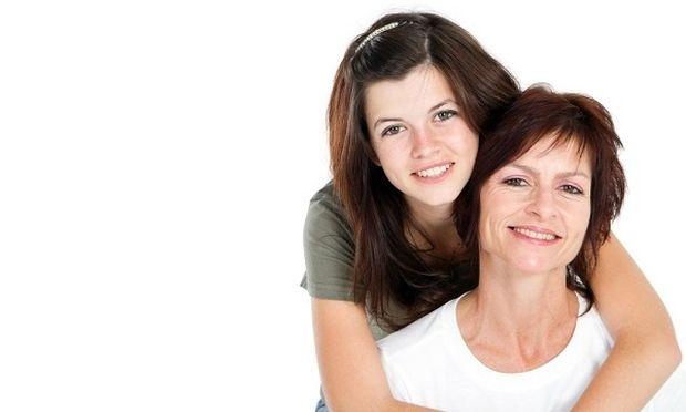 Από κορίτσι, γυναίκα: Η ανάπτυξη στήθους κατά την εφηβεία και πώς να συμπεριφερθείτε στην κόρη σας