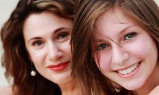 «Πρέπει να ενισχύω την εικόνα της κόρης μου;» Γράφει ο Θάνος Ασκητής