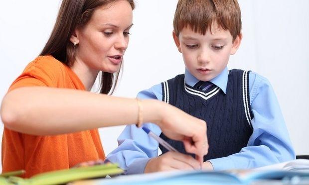 Δυσλεξία στο παιδί: Πώς μπορώ να το βοηθήσω να εξασκηθεί στο γραπτό λόγο;