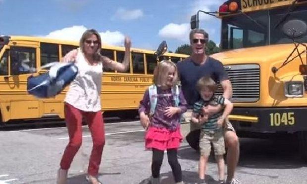 «Τα παιδιά επιστρέφουν στα σχολεία»-Ένα βίντεο παρωδία που πρέπει να δουν όλοι οι γονείς
