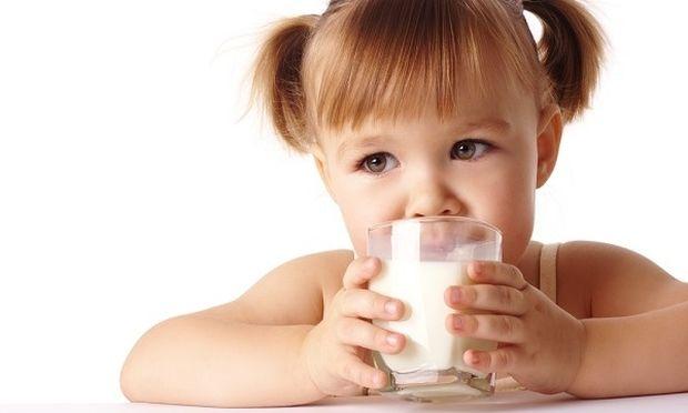 Πόσο γάλα χρειάζονται τα παιδιά μας;