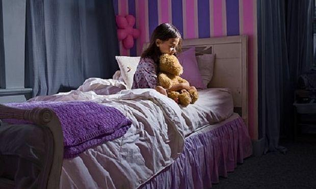 Γιατί ένα παιδί δεν κοιμάται όλο το βράδυ;