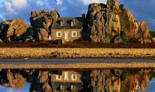 Στα 12 πιο όμορφα «απομονωμένα σπίτια» του κόσμου και μια βίλα στην Κεφαλονιά!