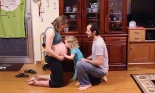 Δεύτερο μωράκι στην οικογένεια! Το βίντεο που πρέπει να δουν όλες οι εγκυμονούσες! (βίντεο)