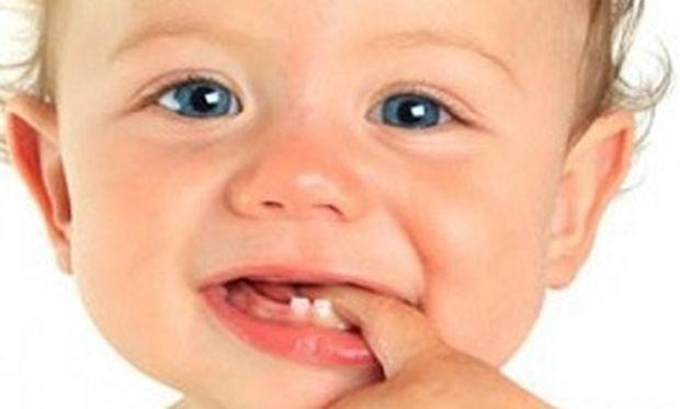 Ήρθε η ώρα για τα πρώτα δοντάκια. Πως να ακουφίσετε το μωρό σας από τον πόνο!