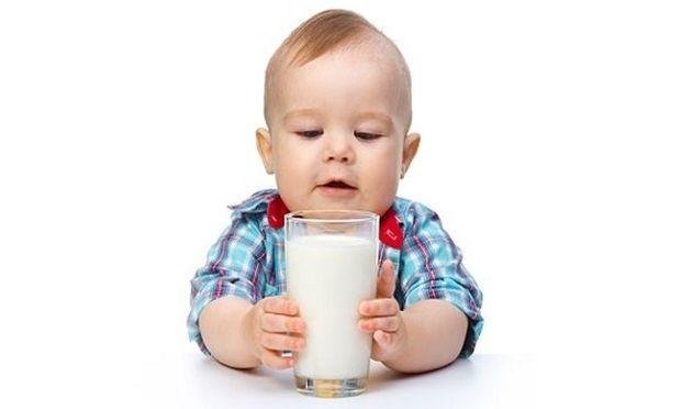 «Σε τι οφείλεται η αλλεργία στο Γάλα Αγελάδας»; Συμβουλεύει η παιδίατρος Μαριαλένα Κυριακάκου