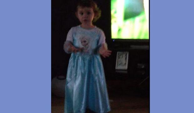 Δείτε για ποιο λόγο η 2χρονη πιτσιρίκα τα βάζει με τους γονείς της! (βίντεο)