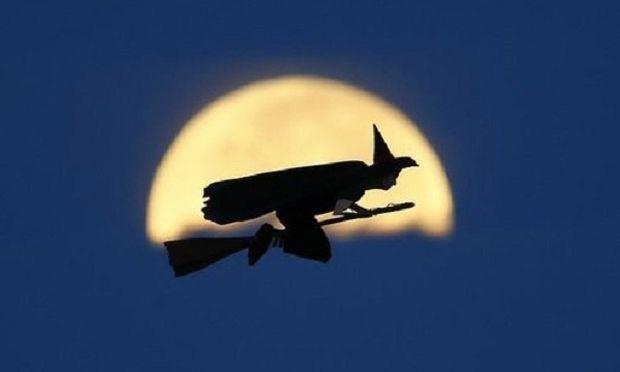 Δείτε μία μάγισσα να πετάει πάνω από την Καλιφόρνια! (φωτογραφίες και βίντεο)