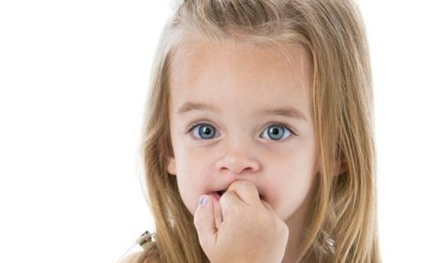 Το παιδί μου μασάει τα νύχια του. Τι μπορώ να κάνω; Συμβουλεύει η ψυχολόγος Αλεξάνδρα Καππάτου