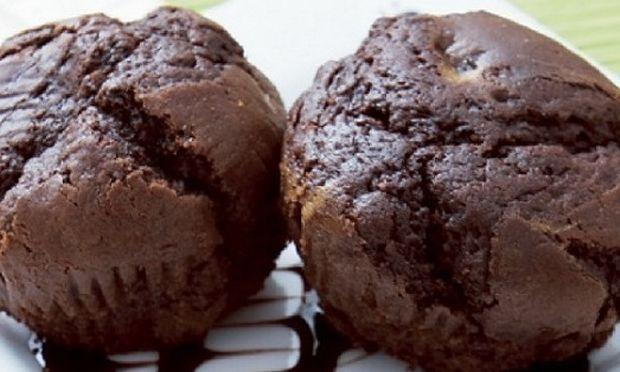Συνταγή για ατομικά κεκάκια σοκολάτας με 3 υλικά!