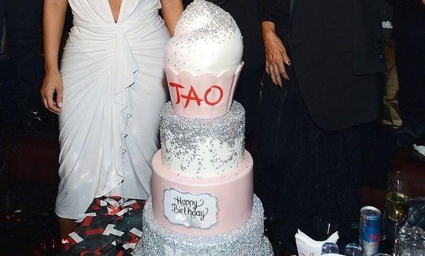 Δείτε πως γιόρτασε τα γενέθλια της διάσημη μανούλα!