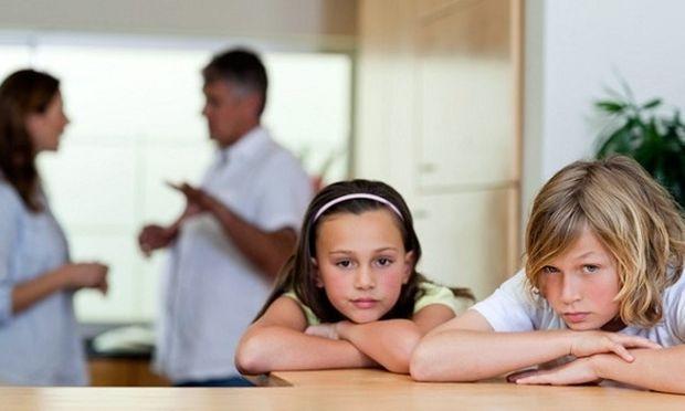 Μετά το διαζύγιο η μητέρα μόνη με τα παιδιά. Συμβουλεύει η ψυχολόγος Αλεξάνδρα Καππάτου