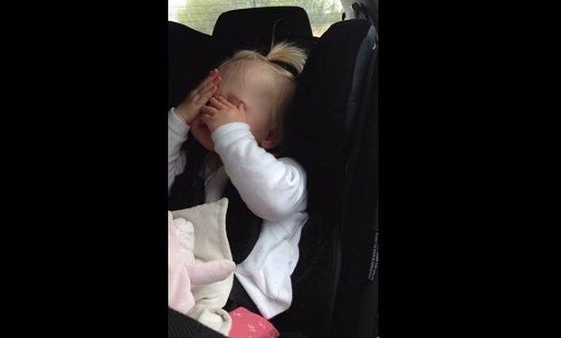 Δείτε την πιο μικρή θαυμάστρια του Εντ Σίραν! (βίντεο)