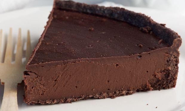 Συνταγή για πεντανόστιμη τάρτα σοκολάτας με 4 υλικά!