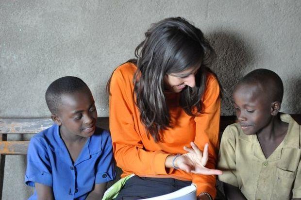 Δασκάλα από την Καλαμάτα ταξίδεψε στη Ρουάντα για να μεταφέρει εμπειρίες στους μαθητές της