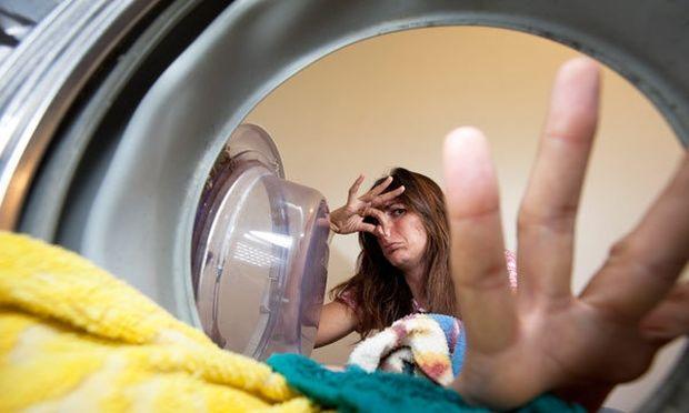 Να πώς θα καθαρίσετε το λάστιχο από τον κάδο του πλυντηρίου!