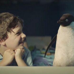 Η διαφήμιση που υπόσχεται να σας «ενοχλήσει» με το πόσο γλυκιά και τρυφερή είναι (video)