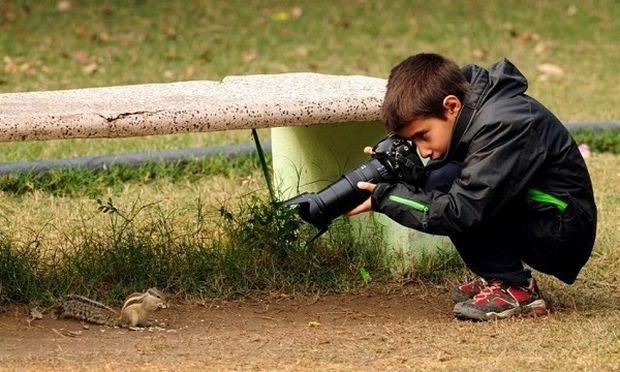Ο βραβευμένος 9χρονος φωτογράφος, που απαθανατίζει στο φακό του την άγρια ζωή!