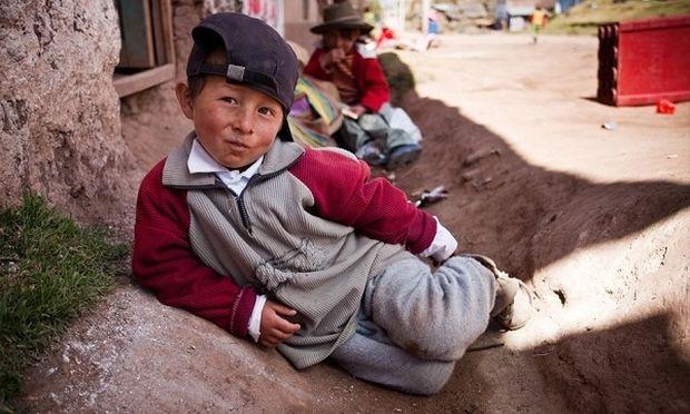 «Αόρατοι εργαζόμενοι», 100.000 παιδιά στο Περού!