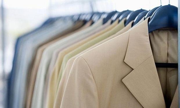 Απίστευτο:Με μία κίνηση τα ρούχα σας θα μοιάζουν σαν καινούρια!