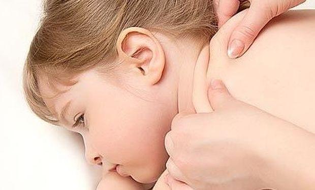Έχει το παιδί σας οστρακιά; Να τι πρέπει να κάνετε για να το ανακουφίσετε