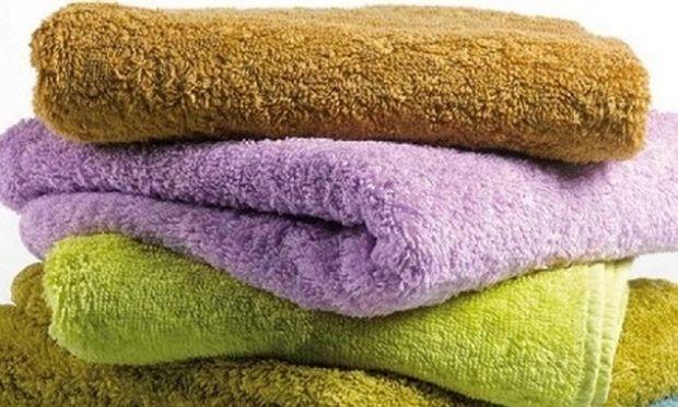 Να το μυστικό για να διατηρηθεί ζωντανό το χρώμα από τις πετσέτες του μπάνιου!