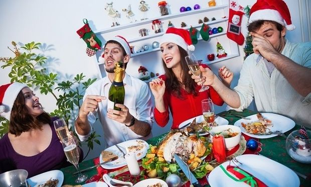 Τι να κάνω για να μην πάρω βάρος τα Χριστούγεννα; Από τη διατροφολόγο Ευσταθία Παπαδά