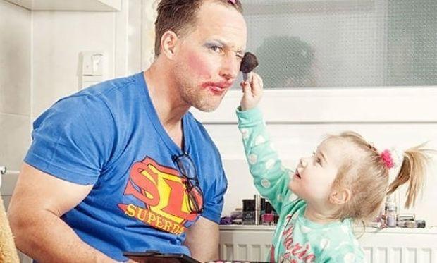Ένας μπαμπάς μπορεί να κάνει τα πάντα για την κόρη του! Ιδού οι αποδείξεις (εικόνες)