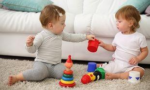 Χριστουγεννιάτικες Αγορές: Αυτά είναι τα ιδανικά παιχνίδια για παιδιά ηλικίας 1-2 ετών!