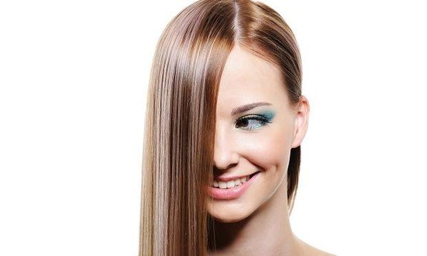 Ισιώστε τα μαλλιά σας με ένα προϊόν που σίγουρα έχετε σπίτι σας!