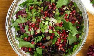 Η τέλεια αποτοξίνωση στα μέσα των γιορτών με μία πεντανόστιμη σαλάτα!