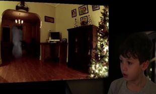 Επτάχρονος έβαλε κρυφή κάμερα στο σαλόνι του και αυτό που αντίκρισε, τον άφησε με ανοιχτό το στόμα!