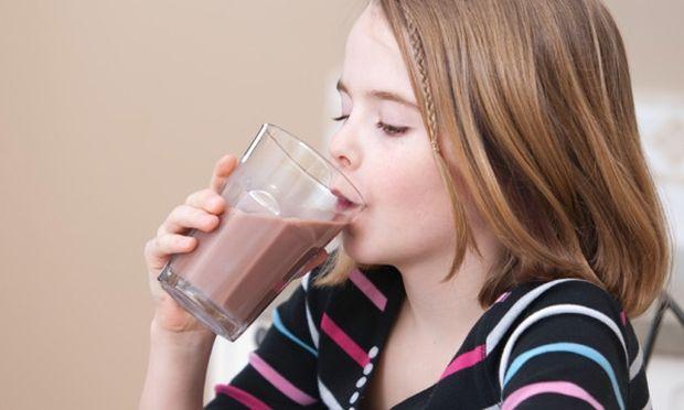 Το παιδί μου πίνει σοκολατούχο γάλα. Είναι θρεπτικό;