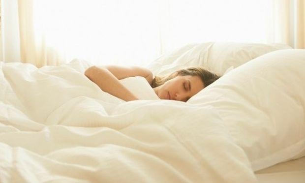 Αυτή η μαμά ξύπνησε και βρήκε κάτι απίστευτο στο κρεβάτι της!