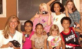 Η φωτογράφος που άλλαξε τη ζωή χιλιάδων παιδιών (εικόνες)