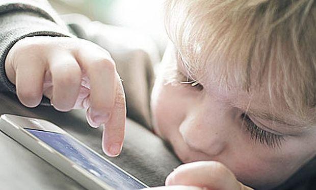 Wi-fi: Γιατί είναι επικίνδυνο για τα βρέφη και τις έγκυες;