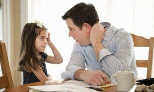 «Μαμά, μπαμπά τι θα ψηφίσετε»; Πώς απαντάμε στα παιδιά μας στην πιο επίκαιρη ερώτηση.