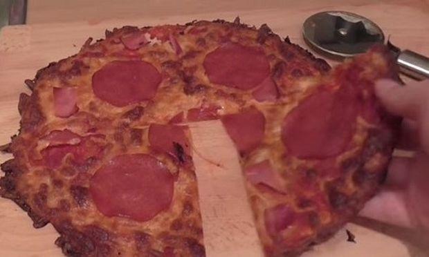 Μοιάζει με κανονική πίτσα, αλλά δεν είναι! Δείτε γιατί(βίντεο)