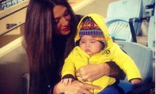 «Αρρωστούληδες αλλά δε μασάμε!»: Η γλυκιά καλημέρα της Αγγελικής Ηλιάδη με τον έξι μηνών γιο της (εικόνα)