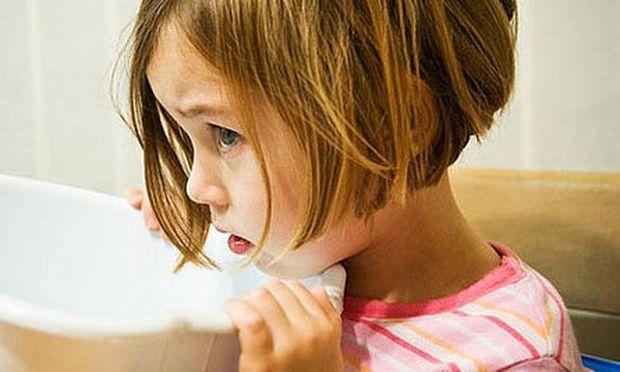 Εμετός στην παιδική ηλικία: Πού μπορεί να οφείλεται;