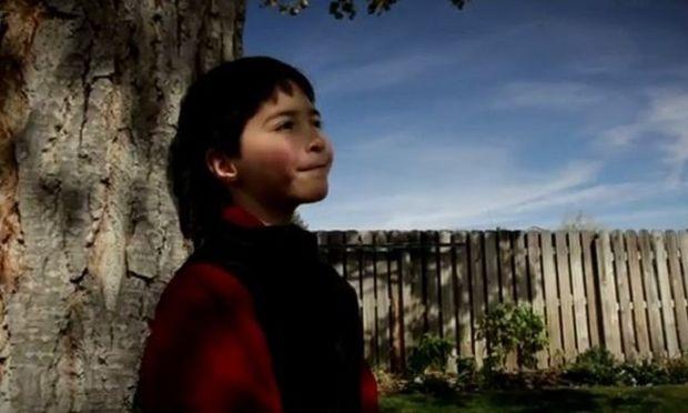 «Αυτή η ασθένεια τα έβαλε με το λάθος άτομο!»: 8χρονο αγοράκι νίκησε τη μάχη με τον καρκίνο και δίνει το δικό του μήνυμα θέλησης και εσωτερικής δύναμης (βίντεο)