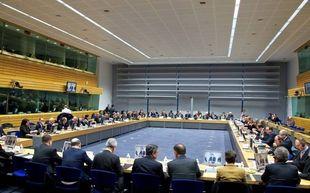 Eurogroup-LIVE: Αντίστροφη μέτρηση για την πιο κρίσιμη μάχη της Ελλάδας!
