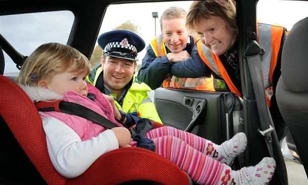 Για αυτό δεν πρέπει να αφήνετε ποτέ τα παιδιά μόνα τους στο αμάξι: Η αληθινή ιστορία μίας μαμάς που σοκάρει!
