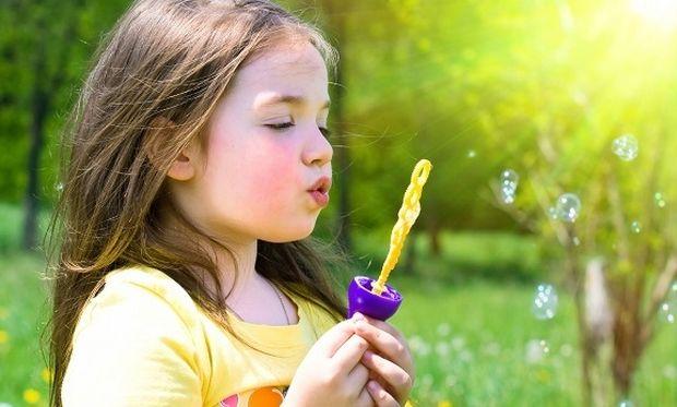 Με ποιον τρόπο επηρεάζουν τα παιχνίδια την ανάπτυξη ενός παιδιού;