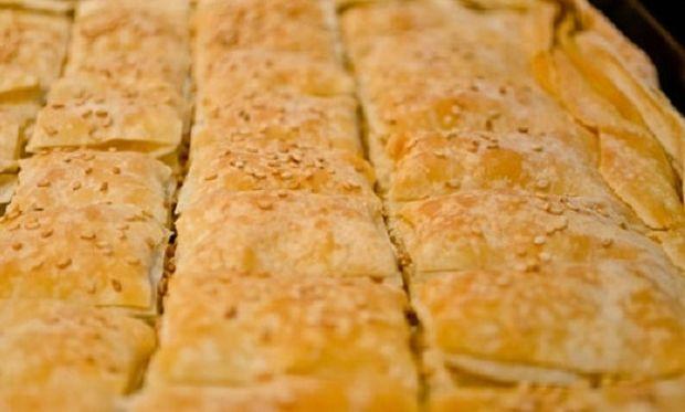 Συνταγή για πατατόπιτα σε χρόνο ρεκόρ!