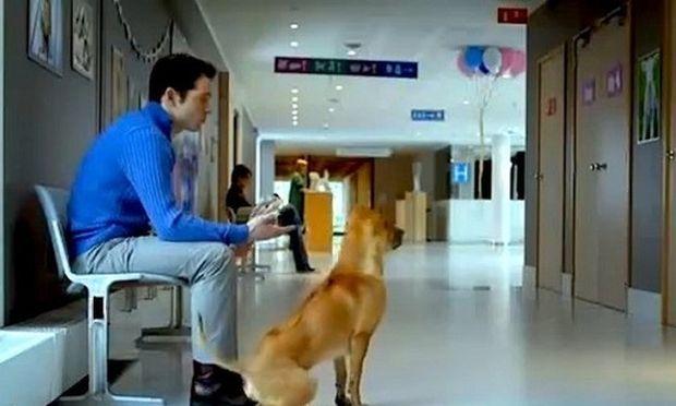 Η πιο τρυφερή διαφήμιση: Έγινε μπαμπάς με έναν ιδιαίτερο τρόπο! (βίντεο)
