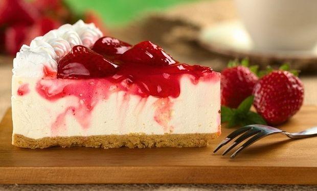 Συνταγή για cheesecake με ανθότυρο και μαρμελάδα φράουλα