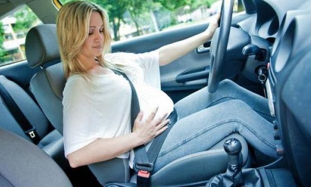 Αυτά πρέπει να προσέχει μία έγκυος που οδηγεί