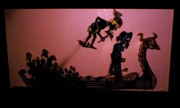 Οι Κυνικοί στον Άδη με τον Δημήτρη Μικιό στο Κουκλοθέατρο Μαιρηβή!