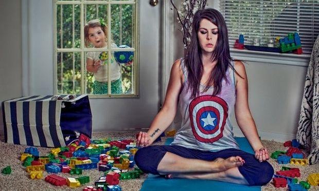 Αυτή η μαμά απαθανατίζει την καθημερινότητα με την κόρη της τραβώντας τις πιο ξεκαρδιστικές φωτογραφίες! (εικόνες)